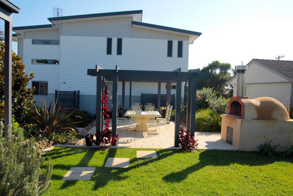 harlor-building-culburra-brezza-costeria-back-yard