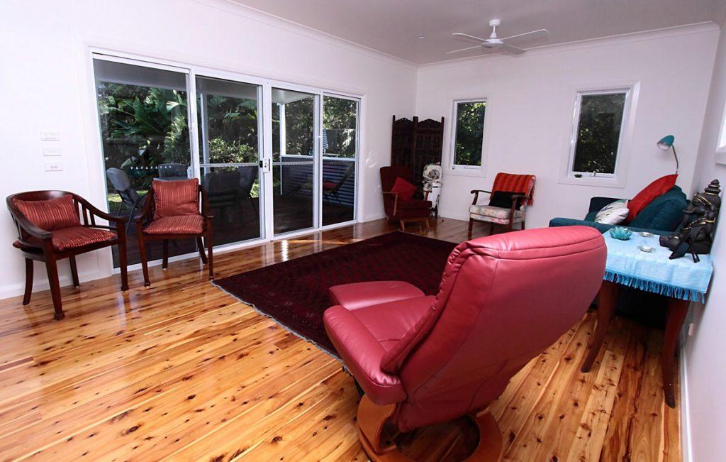 harlor-building-north-nowra-studio-loungeroom