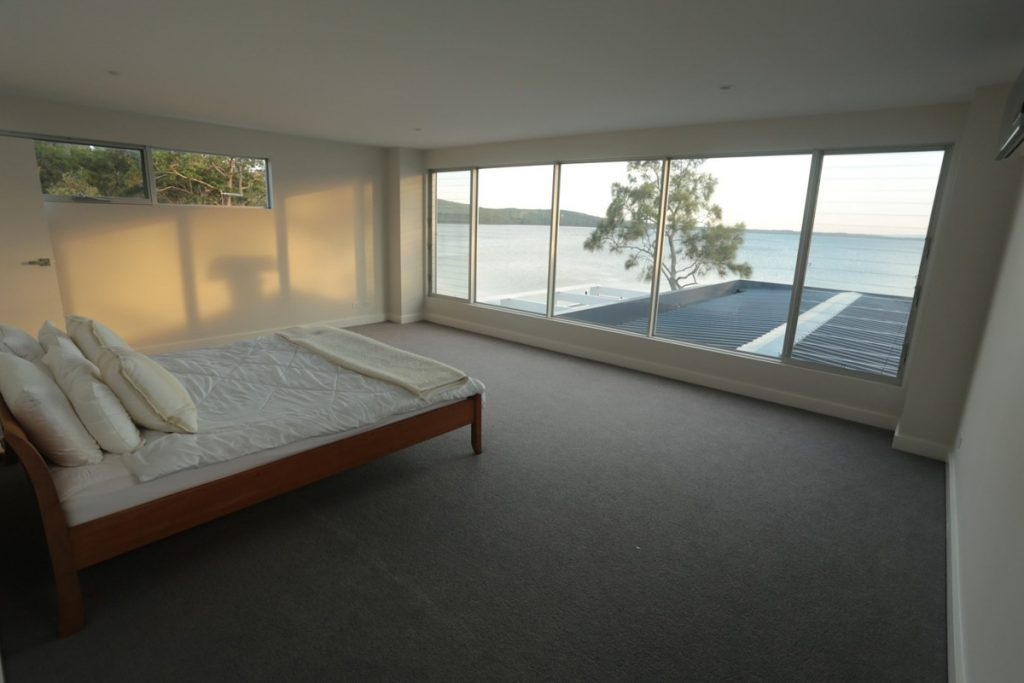 harlor-building-wrights-beach-bedroom