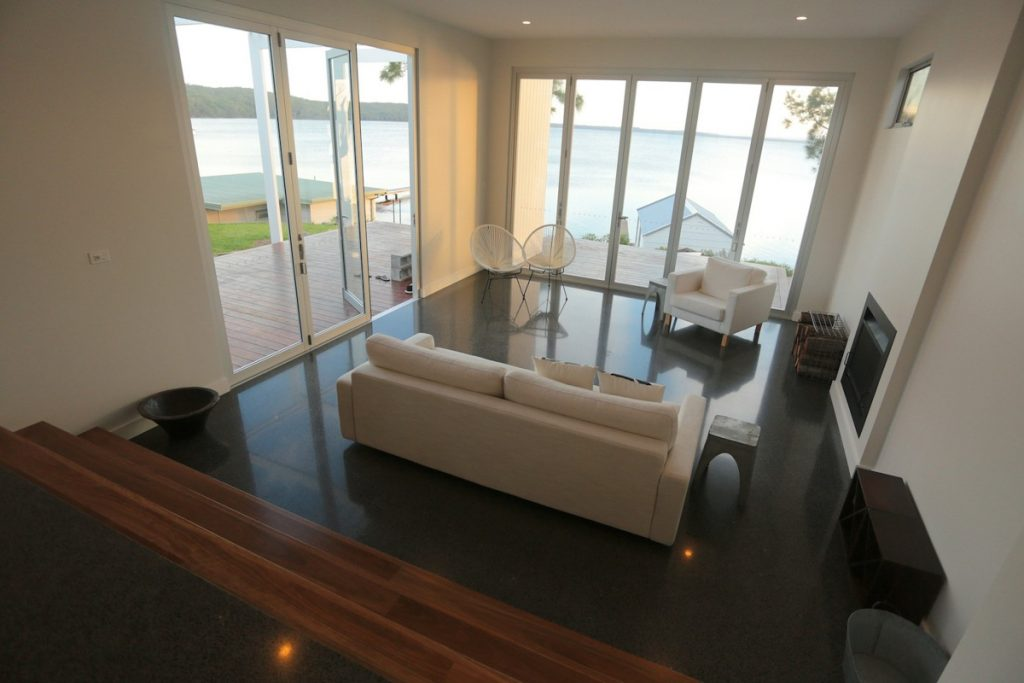 harlor-building-wrights-beach-loungeroom-bay-view