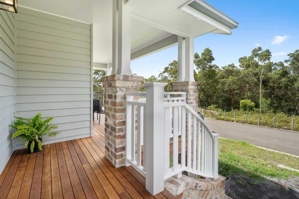 Harlor-Building-Little-Hamptons-Front-Deck