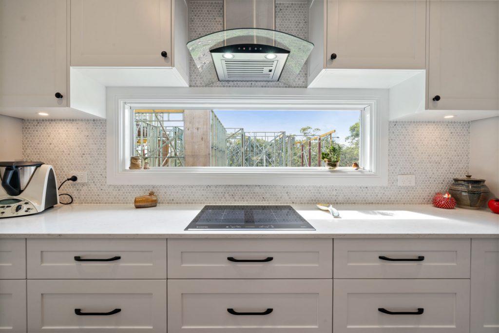 Harlor-Building-Little-Hamptons-Kitchen-Stove