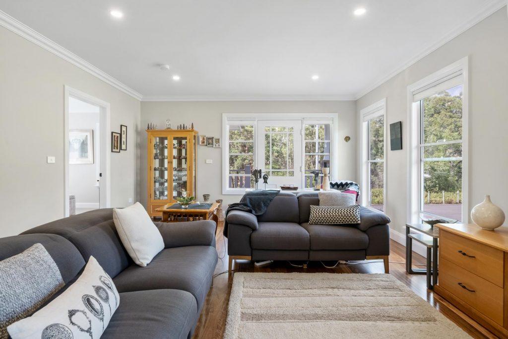 Harlor-Building-Little-Hamptons-Lounge-Room