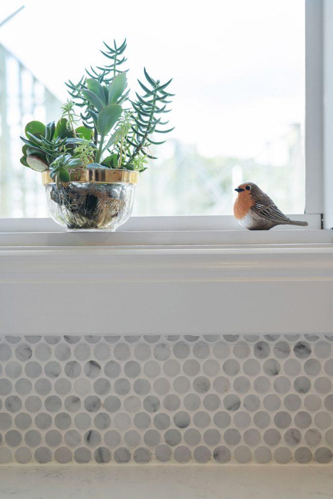 Harlor-Building-Little-Hamptons-Sink-Windows